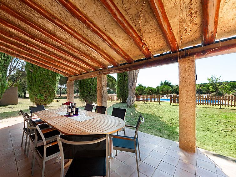Masia con Terreno Urbanizable Porche Exterior