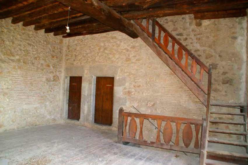 Torre Medieval Baix Emporda Distribuidor