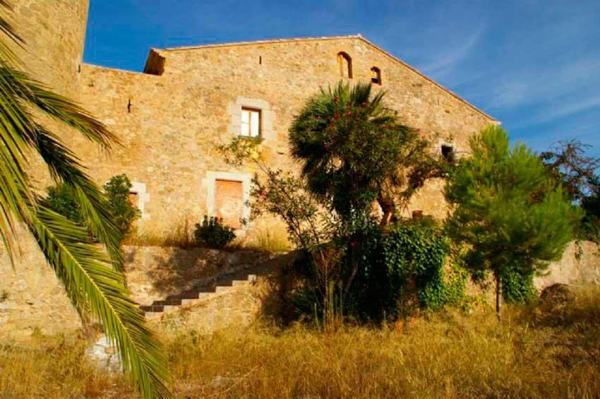 Torre Medieval Baix Emporda Masia