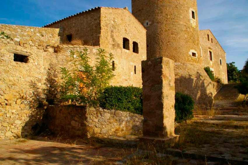 Torre Medieval Baix Emporda Vista General
